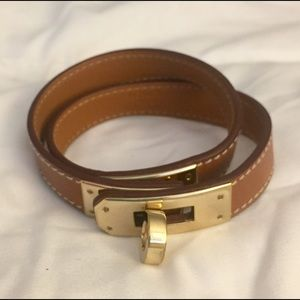 Hermes Jewelry - Hermes Kelly Double Tour Bracelet Swift Gold GHW
